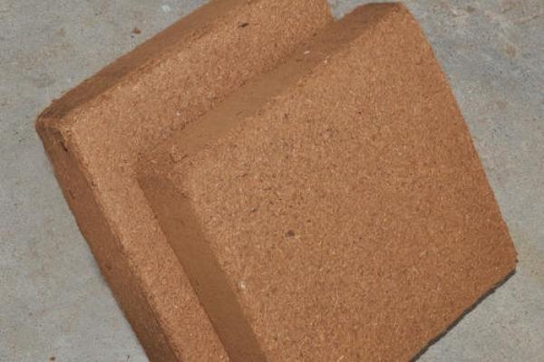 coco-or-coir-peat-5-kg-blocks-l-e-c-500x5007FCA09AF-D49D-0D2F-72FA-5731903C8DDA.jpg